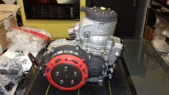 La manutenzione del motore KZ: montare e smontare il cilindro