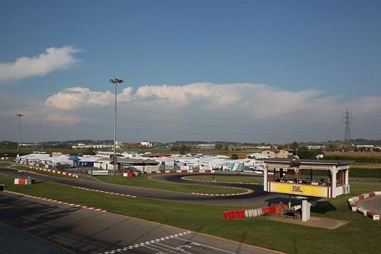 Paddock pieno a Lonato per il Campionato Italiano CSAI Karting. Ottima affluenza anche nella KZ2.