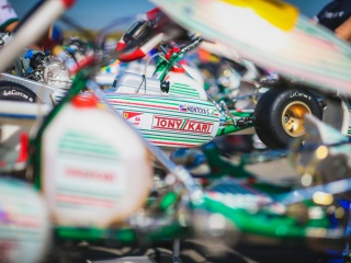 Clamoroso alla WSK Open Cup: Travisanutto e Hiltbrand con Tony Kart Racing Team!
