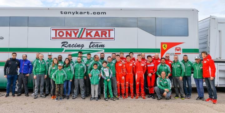 Campus a Muro Leccese per il racing team e i piloti FDA